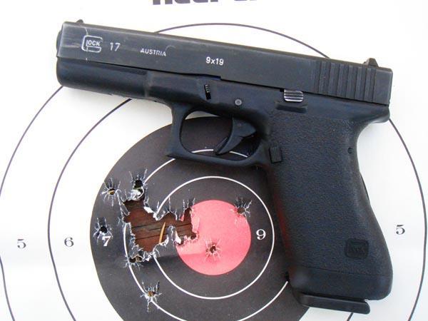 1st-gen-glock-still-ticking-423.jpg