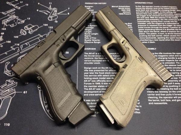 g17g2-on-the-right-g17g4-on-the-left-glock-490.jpg