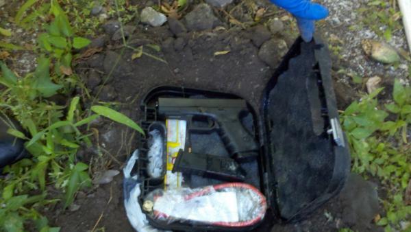glock-model-23-found-buried-in-a-yard-in-marathon-192.jpg
