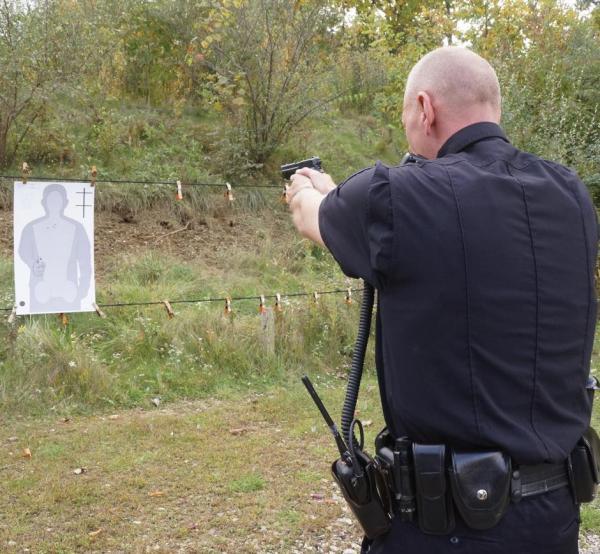 p220-police-pistol-369.jpg