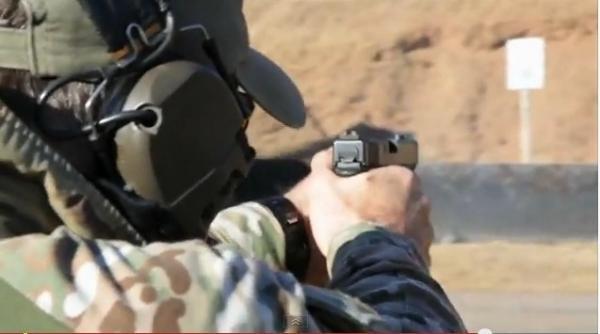 srt-glock-74.jpg